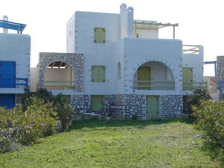 Archipelagos villas-Villa Syros close to the sea