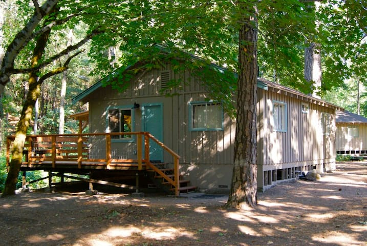 Beech - Lovely Creekside Cottage in the Woods - Cobb - Srub