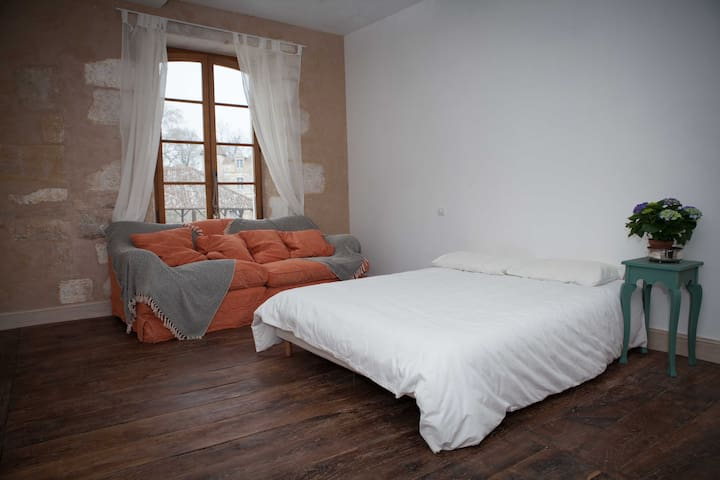 Charming bed & breakfast (1)