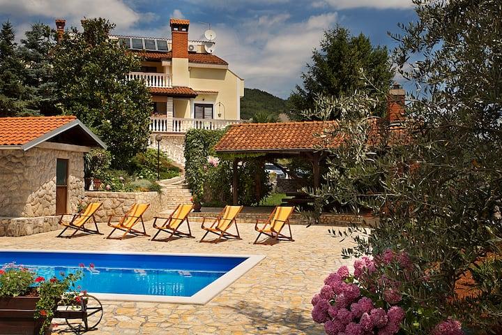 Apartment in beautiful villa near Opatija