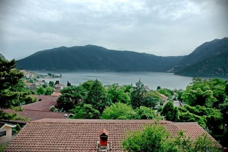 Cukovic-Apartment with Nice Sea View - Kotor