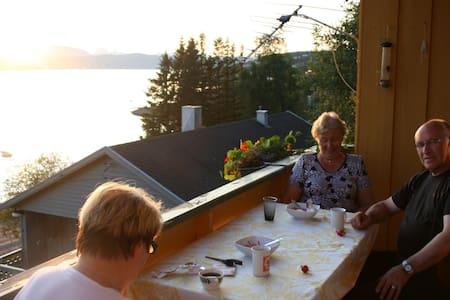 Trollvik, Finnsnes