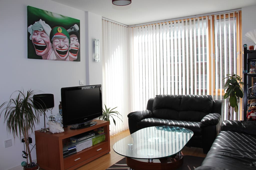 Cosy Room in City Centre Apartment