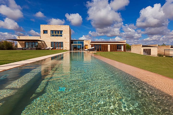 Exceptional villa in Ses Salines - Ses Salines - House