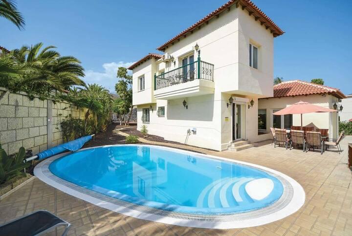 Villa Simona. Elegant 5 bedroom villa.