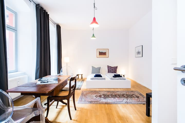 *NOUVEAU: Studio design à Mitte Alm 2