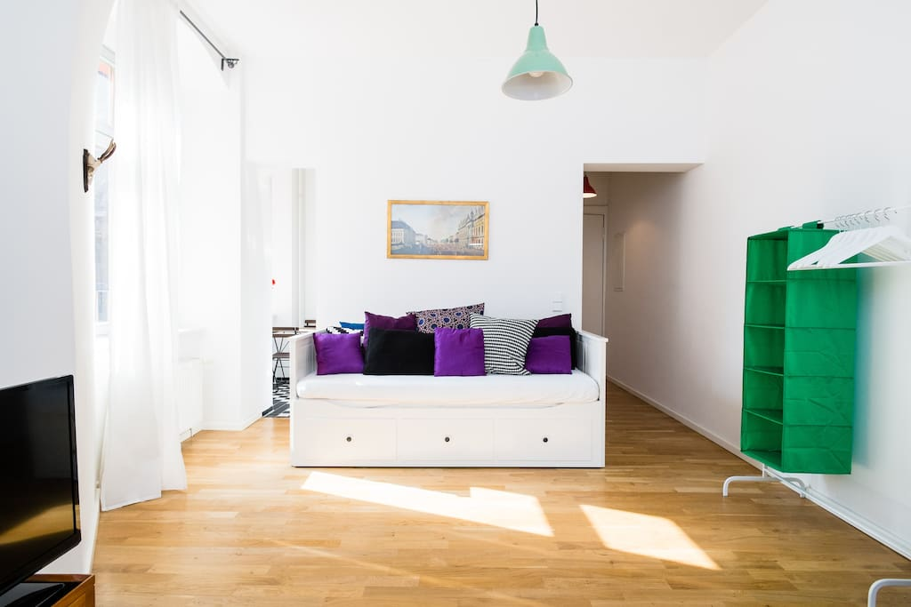 *NEW Berlin Studio Mitte Alm 1