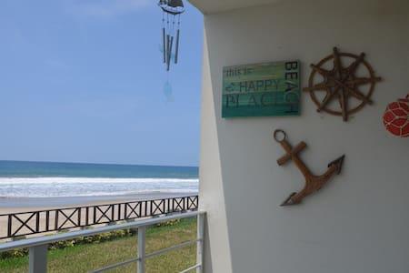 Playa Blanca, Manglaralto - Dpto. frente al mar