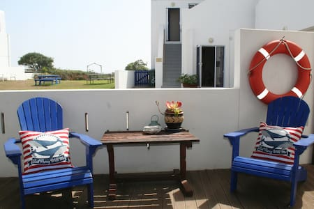 Baywatch Guest House - Blue Mussel Room - Paternoster