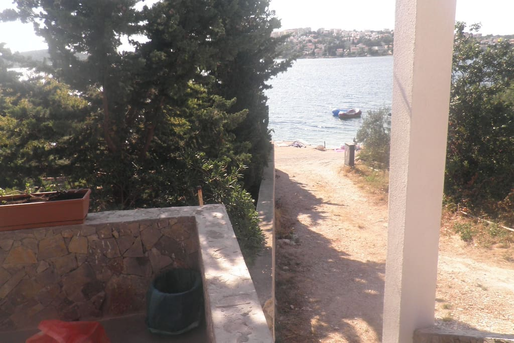 first row by the sea, 10 meters from the beach