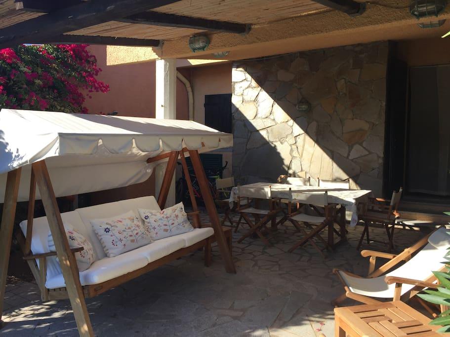 Veranda e giardino / Porch and garden