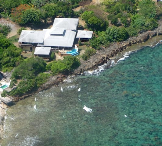 Private Oceanfront Roatan Home - First Bight - Dom