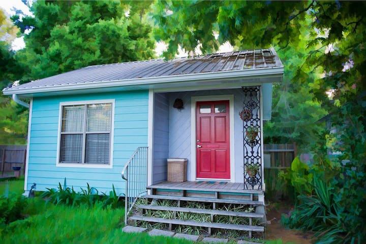 Casita Azul - quiet safe cottage