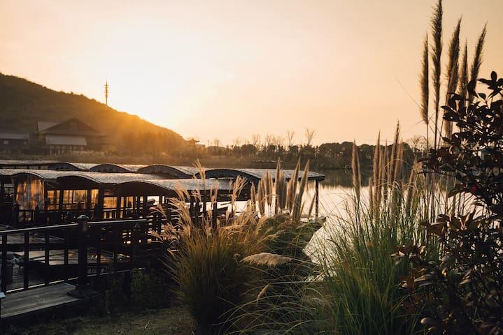灵山景区旁-带早餐-浓情大床房-靠拈花湾--可免费停车-有机农家菜