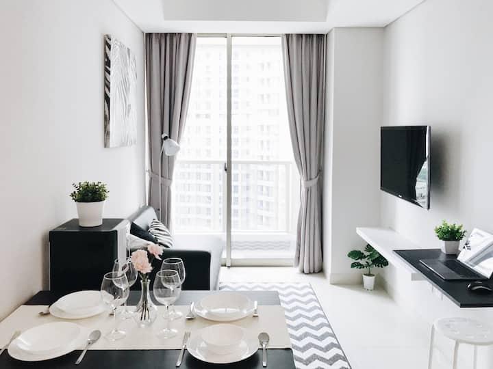 Luxury 2 bedroom near Taman Anggrek & Central Park