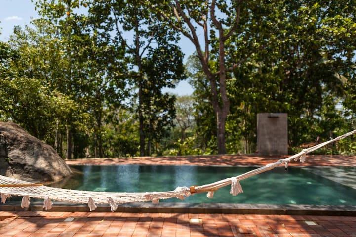 Stunning design villa close to Galle