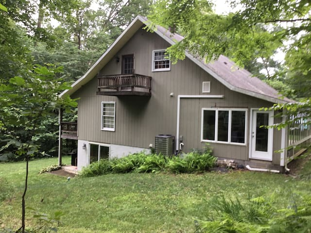 Little Valley Retreat at Raystown Lake