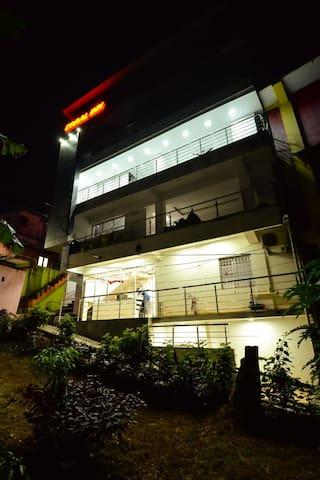 Budget Non-Ac Room (Hotel Coral Inn)