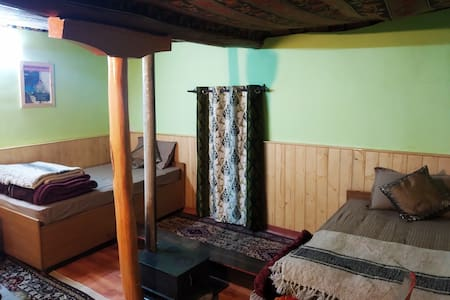 Karze: Mud House Homestay, Deluxe Room