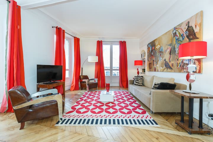 Luxury Apartment on Monceau Park