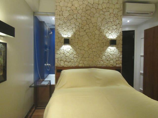 WaterColors Beachfront 1st Floor 2 - Malay - Bed & Breakfast