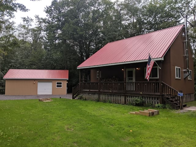 Great cabin with many outdoor activities nearby!