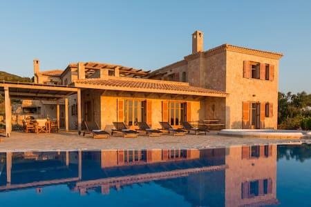 Villa Palace with private pool - Volimes - Villa