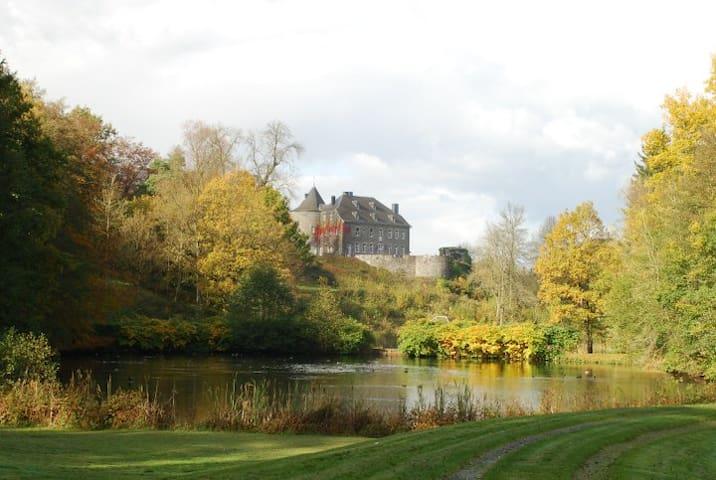 La magie d'un chateau médiéval - Rolley - Rumah
