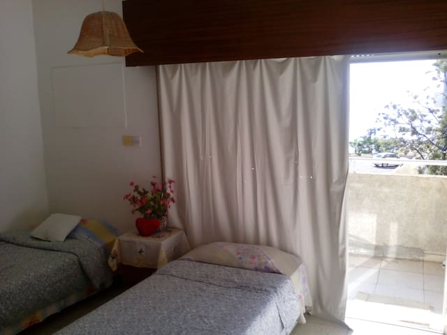 Turistiki Guesthouse - Limassol - Bed & Breakfast