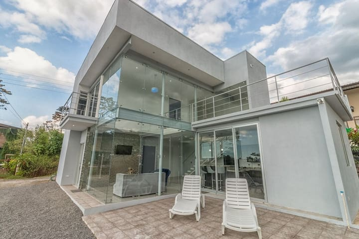 The Glass House Arenal Rental