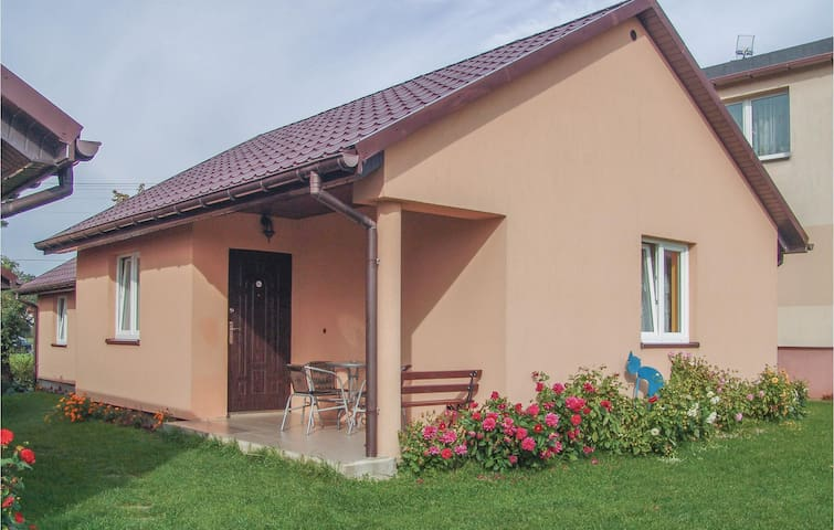 Holiday cottage with 2 bedrooms on 45 m² in Wytowno