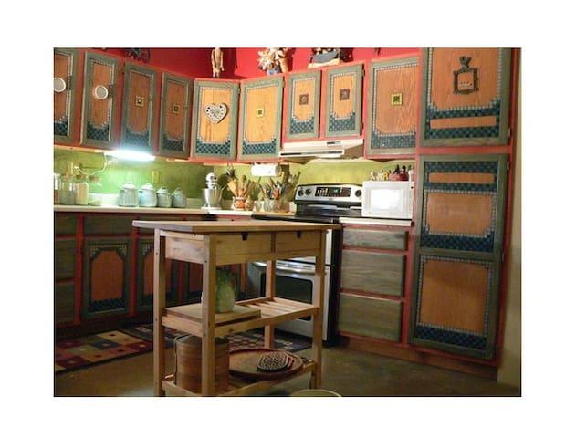 Casa del Mosaic, discount for long term