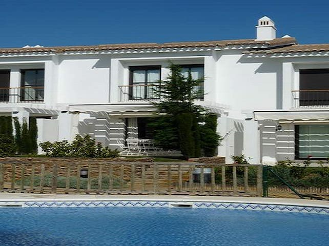 Beautiful house  for 6 near beach and golf - El Rompido - House