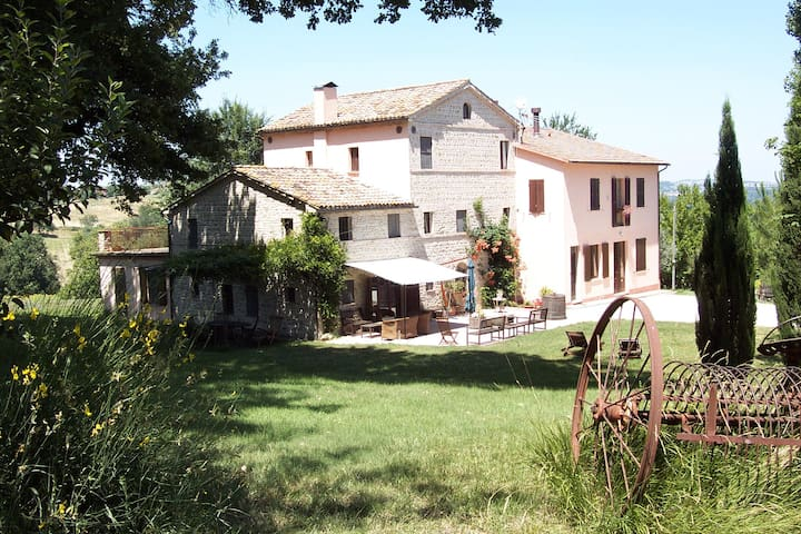 Agriturist Oliodivino B&B - nature - Monte Roberto - Appartement