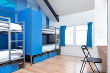 Sky Backpackers - Boutique Hostel (Bed in 6 Bed Dorm Ensuite)
