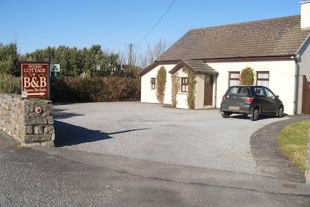 Doolin Cottage in Doolin village