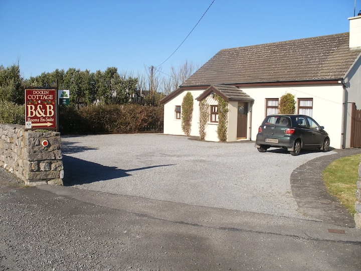 Doolin Cottage in Doolin village