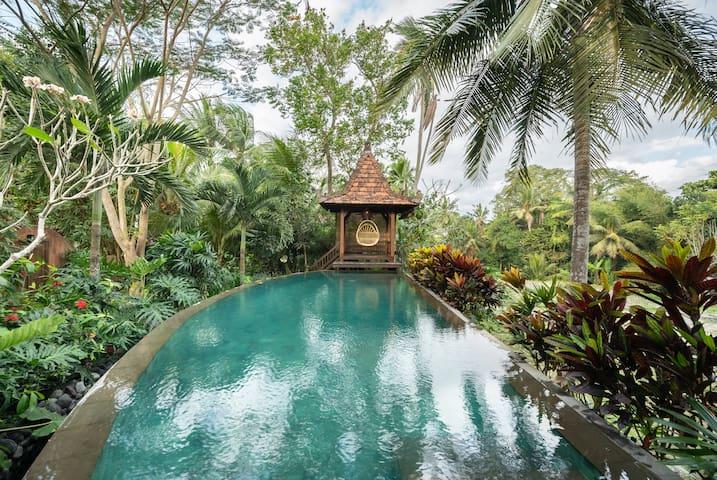 #UNIQUE JOGLO UMA# 2BR Private Pool Villa Ubud