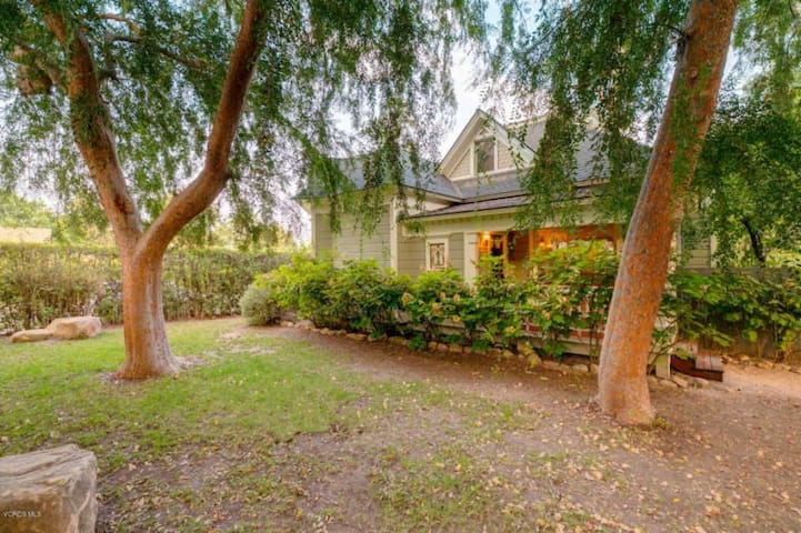 Heart of Ojai Tudor & Guest House 3Bed 3.5 Bath