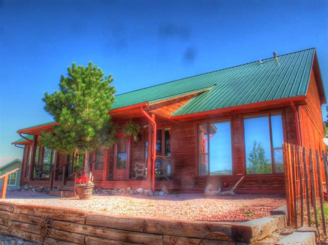 Beautiful Cabin style home in the heart of La Veta