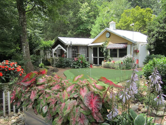 FEATHERSTONE! Guest Cottage - Hendersonville - Pension