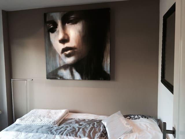Mooie rustige kamer art & boxspring - Riel - Villa