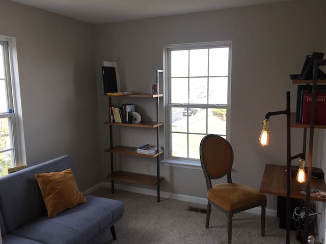 Comfy room w/easy access to Beltway - District Heights - Casa