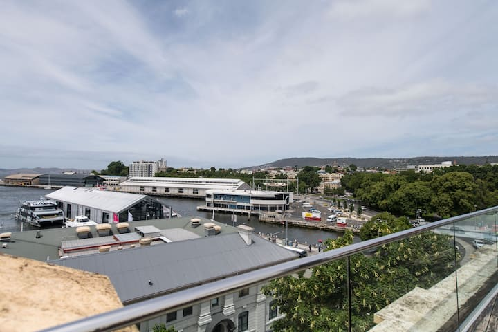 Gibson's Mill 3br Penthouse - with balcony and views to Hobart's waterfront