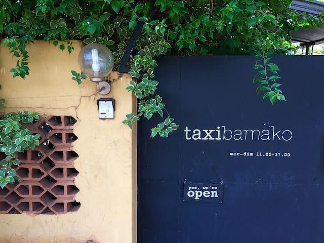 Taxi Bamako | le petit hotel/salon de café