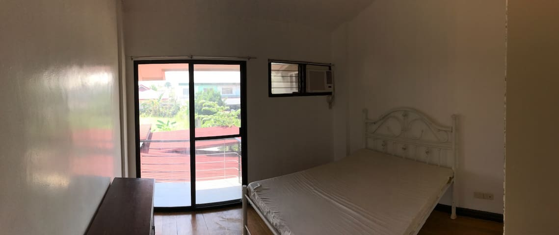 Charming room, simple & elegant - Butuan City - Departamento