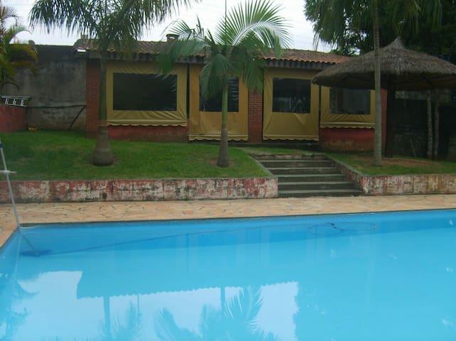 Cabin 40 mins from São Paulo for events w/ pool - Santana de Parnaíba - Cabin