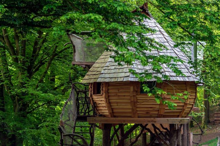 Cabane perchée Lalégende