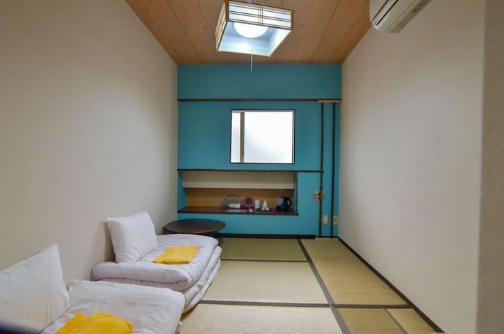 Japanese Style TATAMI room in Shinjuku / Free WiFi