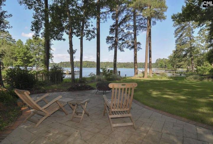 Lakefront Hideaway Guest Suite